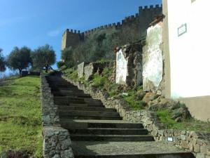 Escadaria_de_acesso_ao_castelo_de_Belver